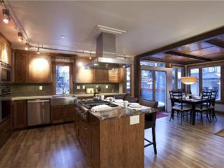 Telluride Lodge - 3 Bedroom Condo #541 - LLH 58171