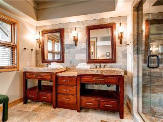 Aspen Ridge - 3 Bedroom Townhome + Private Hot Tub #24 - LLH 58182, Telluride