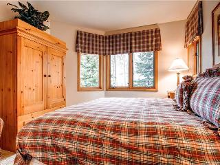 Aspen Ridge - 3 Bedroom Townhome + Private Hot Tub #27 - LLH 58184, Telluride