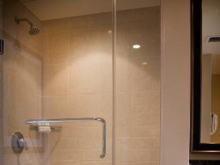Honua Kai Resort, Hokulani 306 -  2 Bedroom Condo - Hear the Waves!, Ka'anapali