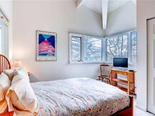 Eastwood Residence - 4 Bedroom Home + Private Hot Tub - LLH 58789, Aspen