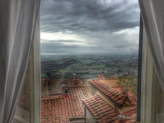 Toscana: un borgo vista mare