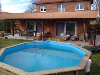 maison moderne en bois avec piscine, Angresse