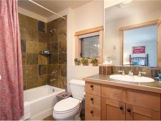 Moose Creek  - 3BR Townhome + Private Hot Tub #31 - LLH 63342, Teton Village
