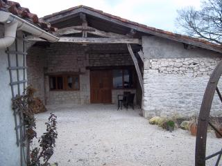 Perfect gite for couples in renovated Quercy barn