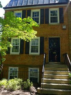 Lux Townhome by National Mall, Monuments, Museums