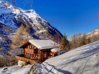 Beautiful old chalet built in 1933 in traditional walliser style and renovated in 2014