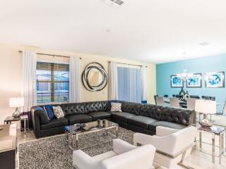 Luxury 9 Bedroom 5 Bath Pool Home in ChampionsGate Golf Resort. 1456BTR, Kissimmee