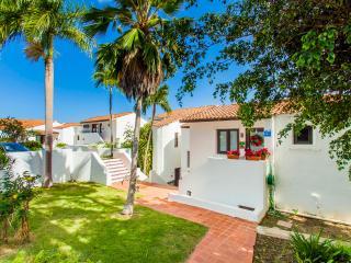 Beautiful 2 Bedroom Villa Averlooking Pristine Golf Course, Luquillo
