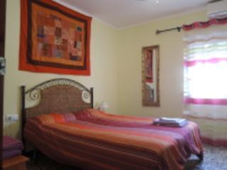dormitorio luminoso y amplio