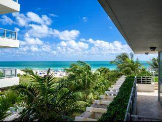 OceanFront  One Bed Aprt/ Balcony / Parking WIFI, Miami Beach