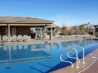 Kolob ~ Large 3 bedroom with 2 Living Rooms Close to Pool in Coral Ridge