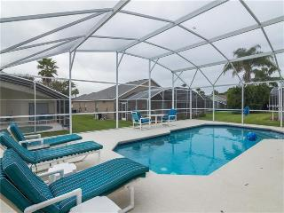 4 Bedroom Pool Home in Golf Community Near Disney, Haines City