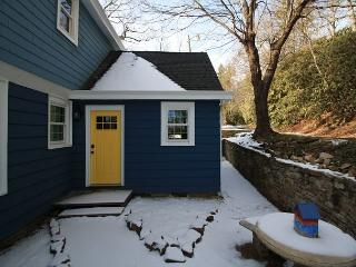Yellow Door - Downtown Hideaway is a charming 1 bedroom unit., Blowing Rock