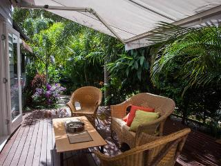 Paradise Cottage Brighton - tropical tranquil