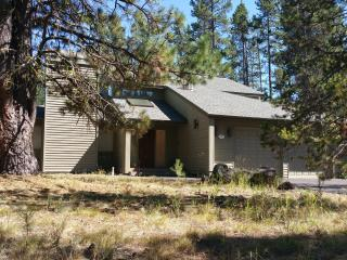 Comfy 5 BR Home; 12 Sharc Passes; Min 1 night, Sunriver