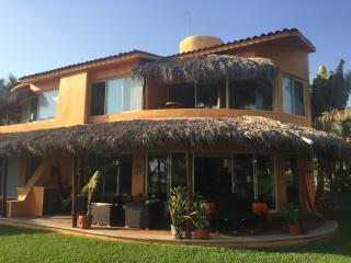 Beachfront Villa,  Zihuatanejo, Unlimited WIFI