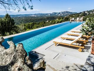 Villa Splendida, Sleeps 8, Spargi