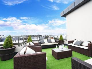 Luxury City Center Penthouse - 4 bed, Galway