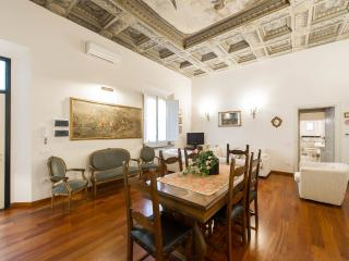 prestigius suite in exclusive area of the city, Florence