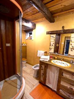 bathroom room Gatto