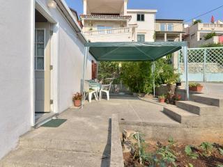 Apartment Near the Beach - Sumartin