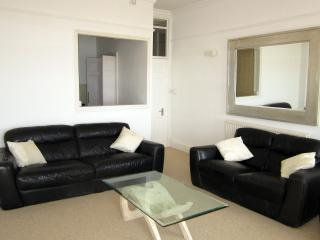 Luxury Two Bedroom Apartment in Brunswick Terrace, Brighton