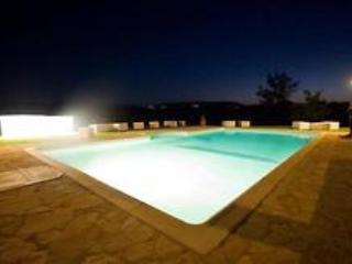 Beautiful Tuscany  villa near Montepulciano, air condit, swimming pool, wifi