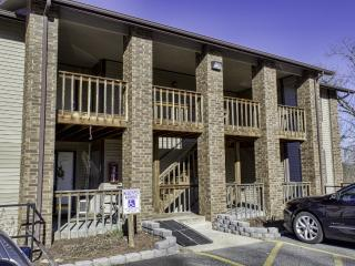 Branson Condo Rental | Pointe Royale | Golf | Indoor Pool | Taneycomo | Fishing (4111111)
