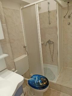 A Četvorka(4+2) : bathroom with toilet