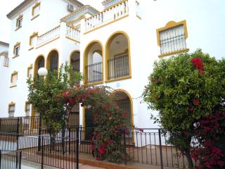 La Zenia, Beautiful 2 Bed Apartment, Very Central