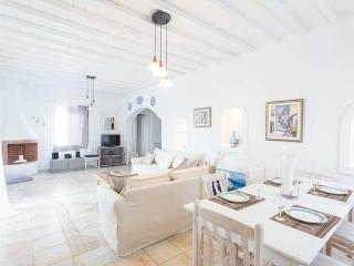 Beautiful 3-bdrm House in Mykonos, Mykonos-Stadt