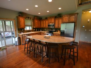 Sage Tree Lodge 5Br, 4Ba home, Hollister