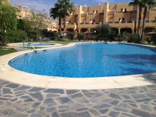 Ground floor 2 bed 2 bathroom, pool facing