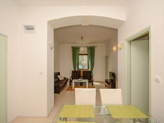 Apartment 3360, Fazana