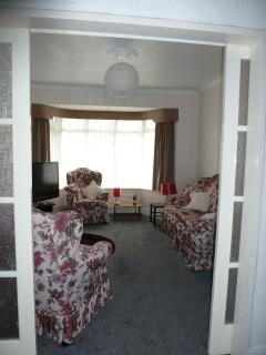 Comfortable lounge-picture shows potential of room division