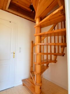 STAIRS DOWN TO THE -1 LEVEL