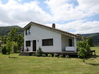 Chalet con pradera ideal para 2 familias