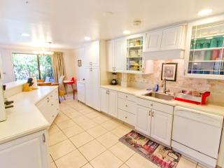 4BR Family Townhome Set in Quiet Kihei Gardens