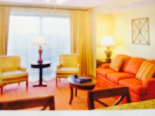 Enjoy D.C. Historical Sites & a 1 or 2 BR Condo!, Alexandria