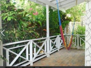 2 bedroom Village  balcony & Private pool spa RonV