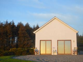 Tinnacurra Cottage, breathtaking mountain views, Wexford