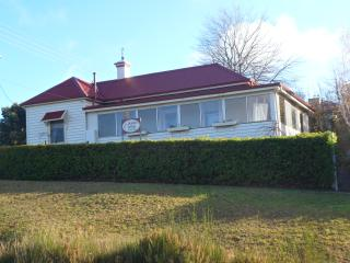 Geranium Cottage - Centrally Located Spacious home, Daylesford