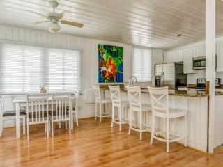 1280 sqft 2 Bedrooms Apt near Beach w. waher/dryer, Treasure Island