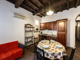 "SAN LORENZO APARTMENT ""NEAR THE CENTRAL MARKET"", Florence"