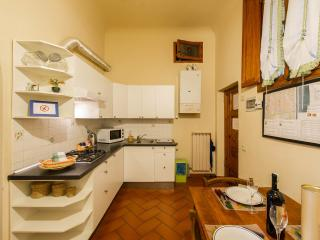 SAN ZANOBI  APARTMENT (1 bedroom kitchen bathroom), Florence