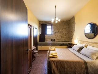 Hilltop Retreat for Couples, a Rural Romance, San Gimignano