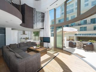 Blu Santa Monica U5, Sleeps 6