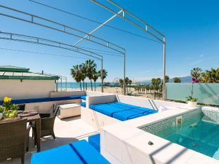 Blu Santa Monica U4, Sleeps 6