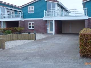 Very luxurious holidayhouse a/t waterfront, max.4p, Workum